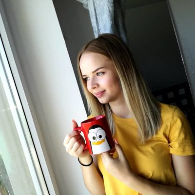 cien.kowska crazy pinguins mug red